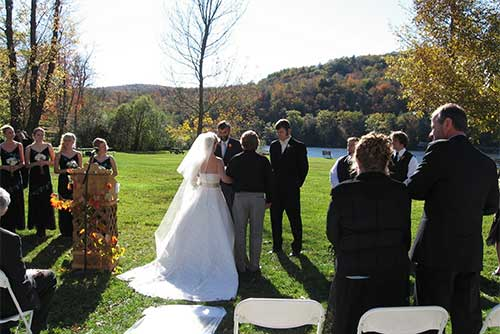 A picture-perfect wedding at Camp Plymouth State Park