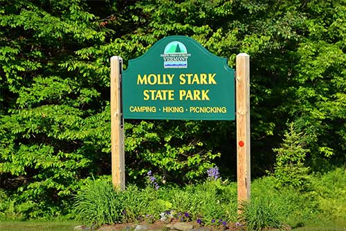 The entrance sign to Molly Stark State Park