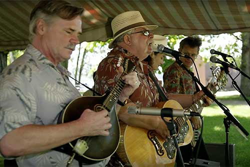 Rick and the Ramblers perform at Sand Bar State Park (photo credit: Al Abrams)